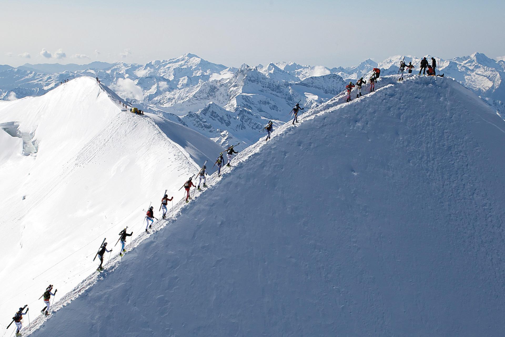Scialpinismo_Rivista-Scimagazine-gennaio--2015-Mezzalama_action_3