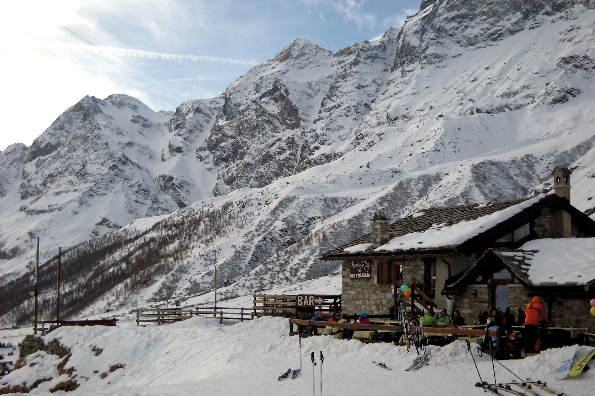 sciando-attorno-al-ccervino-rivista-scimagazine-gennaio-2015-Cervinia-Baita-Cretaz
