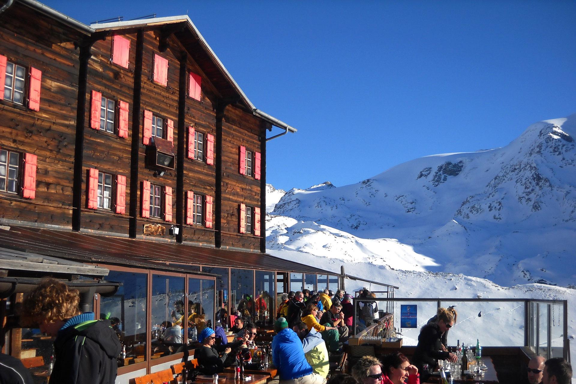 sciando-attorno-al-cervino-rivista-scimagazine-gennaio-2015-Zermatt-Fluhalp_2